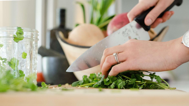 Tipos de cortes en la cocina: Mirepoix, sabor y presentación 1